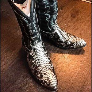 Men's Laredo Cowboy Boots. Size 12 X-Wide.